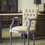 Artmoble-1023F кресло с подлокотниками в классическом стиле